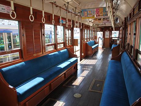 阪堺電車「モ161形車」の車内